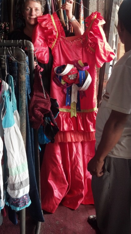 Second Hand Souk: Pink dress