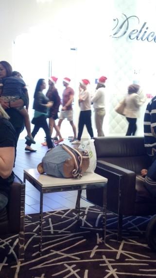 Santa's elves on parade, Dubai Mall