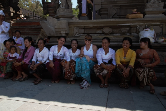 Meeting and mingling at the temple, Ubud, Bali